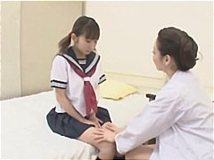 Young japanese gal gets seduced by the nurse and they make out
