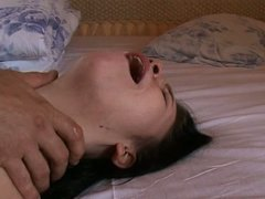 Young girl schatz at the first painful try anal