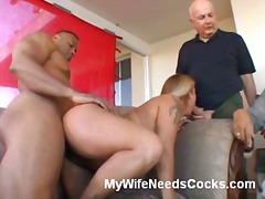 Blonde wife gives amazing oral