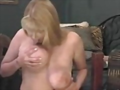 Mature shows her dripping pussy on webcam 1