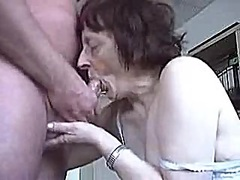 Isoäiti.